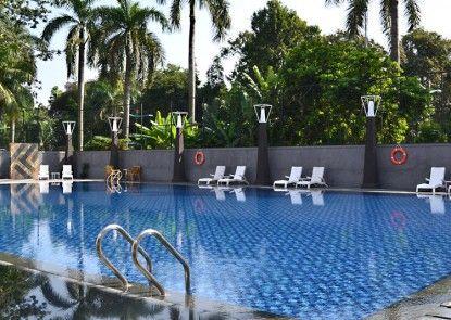 Century Park Hotel Kolam Renang