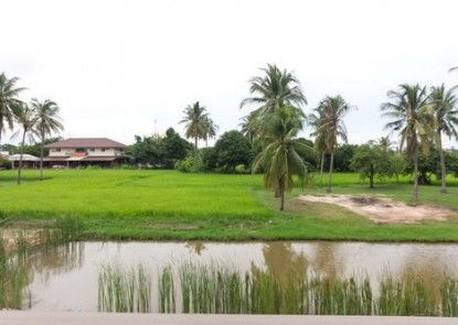 Cha Am Country Home
