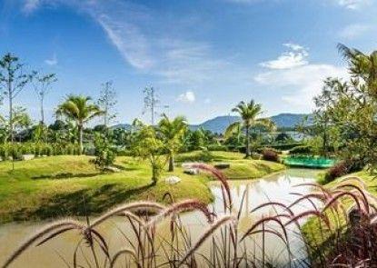 Chalong Miracle Lakeview Resort & Spa