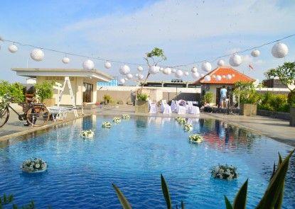 Champlung Mas Hotel Kolam Renang