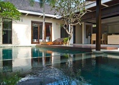 Chandra Bali Villas Teras