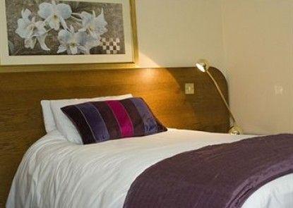 Charlemont Arms Hotel