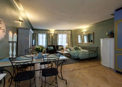 Charming Prague Apartments At Black Star