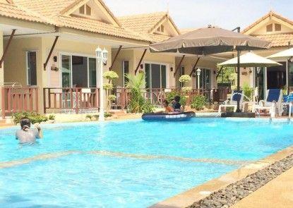 Charm Resort Cha-am