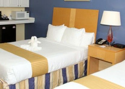 Charthouse Hotel & Suites
