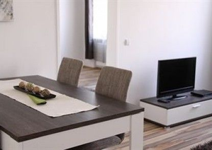 CheckVienna – Apartment Huglgasse