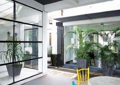 Chic Quarter Residence Pintu Masuk