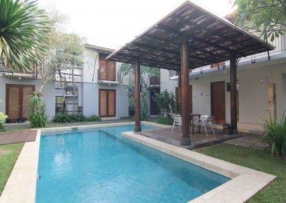 Chic Quarter Residence Kolam Renang