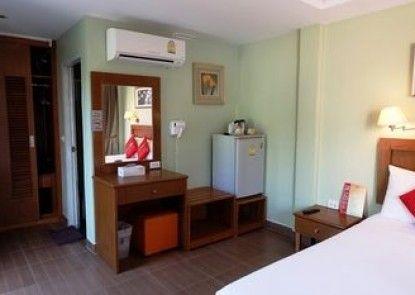 Chilli Hotel & Restaurant