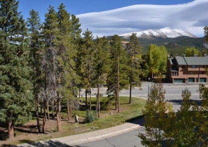 Chimney Ridge by Ski Village Resorts