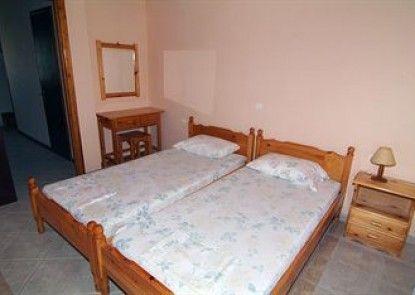 Chrysanthy Apartments