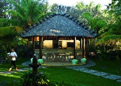 Cili Emas Oceanside Resort Teras