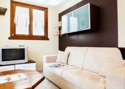 Cima Adamello Halldis Apartments
