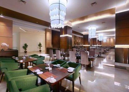 The Alana Hotel & Convention Center - Solo Makanan