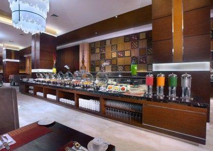 The Alana Hotel & Convention Center - Solo Makan Prasmanan