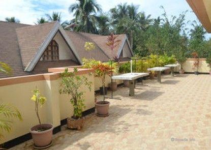 Citrine Tourist Travel Lodge