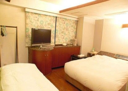 City Hotel N.U.T.S.