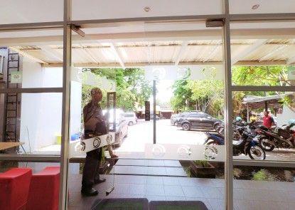 City One Hotel Semarang Lobby