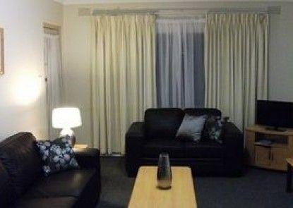 City Park Motel & Apartments
