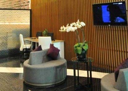 Clay Hotel Jakarta Lobby