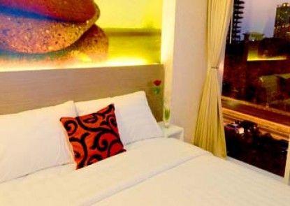 Clay Hotel Jakarta Kamar Tamu