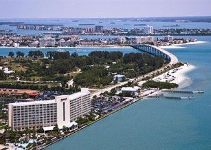 Clearwater Beach Marriott Suites on Sand Key Teras