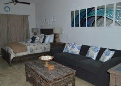 Club Cerralvo Hotel & Residences