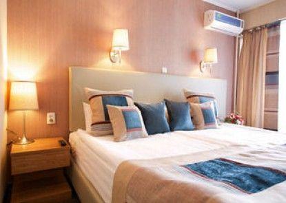 Club Hotel Dostuk