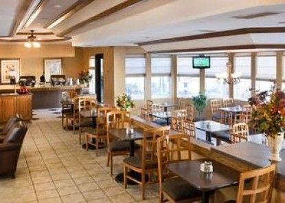 Clubhouse Inn Topeka