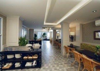 Club Tree Hotel