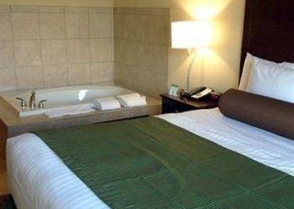 Cobblestone Hotel & Suites -- Broken Bow, NE