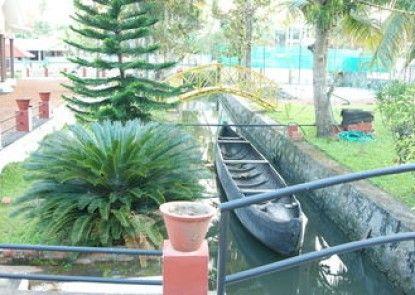 Coconut Creek Farm & Home Stay
