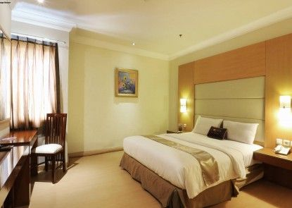 Coins Hotel Jakarta Kamar Tamu