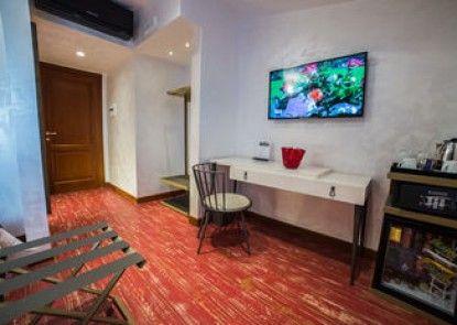 Cola di Rienzo Luxury Penthouse