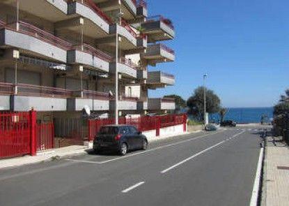 Come In Sicily - Beachfront Sant\'Alessio