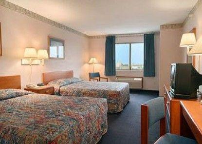 Comfort Inn Avon Teras