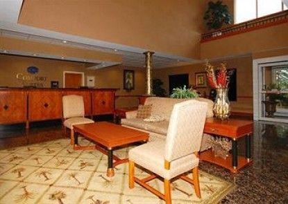 Comfort Suites at Harbison Teras