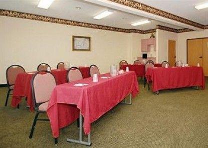 Comfort Suites Effingham Teras