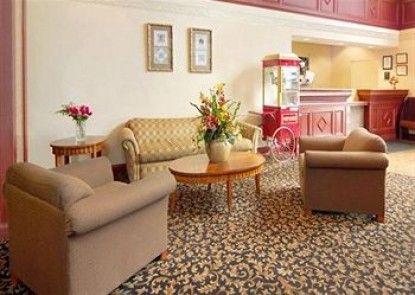 Comfort Suites Southgate Teras