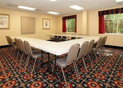 Comfort Suites Summerville Teras