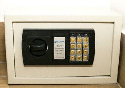 Commodore Suites