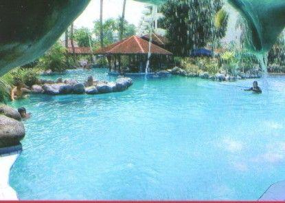 Condominium Hotel Danau Toba Kolam Renang