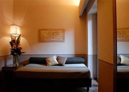 Condotti Palace- Aparthotel