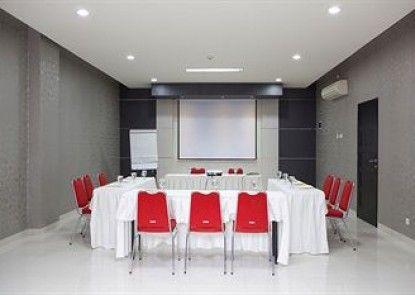 Cordela Hotel Medan Ruangan Meeting