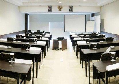 COREHOTEL Malioboro City Yogyakarta Ruangan Meeting