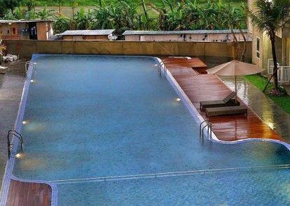COREHOTEL Malioboro City Yogyakarta Kolam Renang