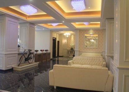 COR Hotel Purwokerto Lobby