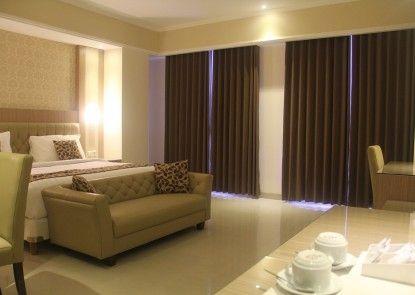 COR Hotel Purwokerto Ruangan Suite