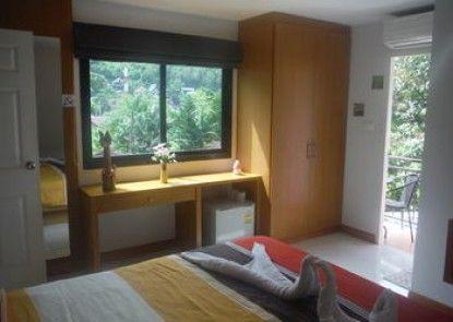 Corsica Guesthouse
