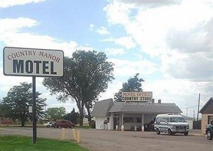 Country Manor Motel Watkins Teras